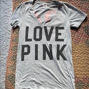 Adorable PINK Victoria's Secret V-Neck tee small